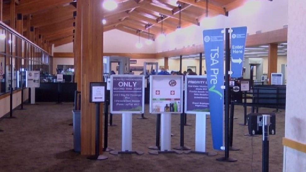 Some Montana airports switch to private security screeners