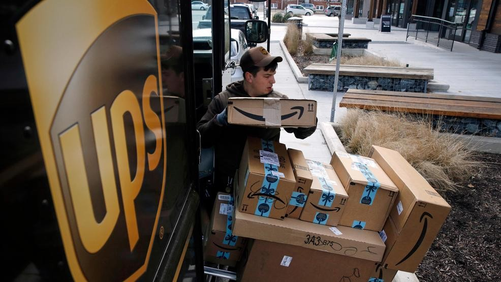 Ups Package Delivery Driver Pay >> Ups Plans To Hold Holiday Hiring Steady At About 100 000 Keci