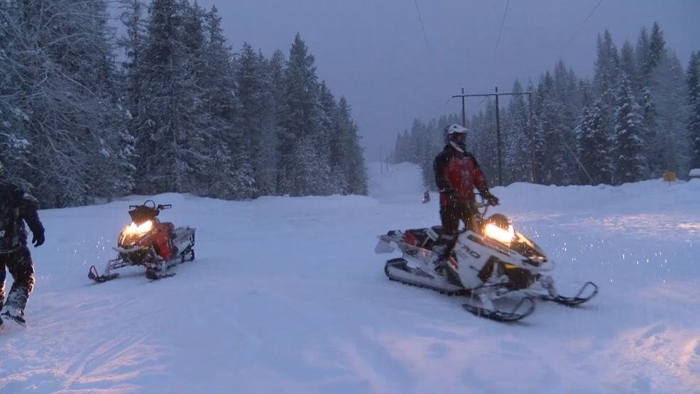 Yellowstone Sets Lottery For Unguided Snowmobile Permits Keci