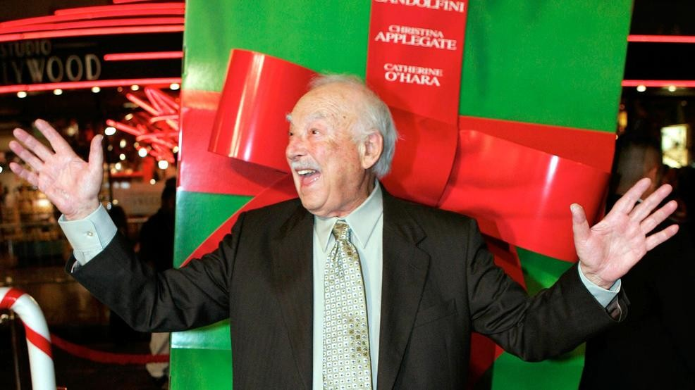 Surviving Christmas Cast.Maude Co Star Character Actor Bill Macy Dies At 97 Keci